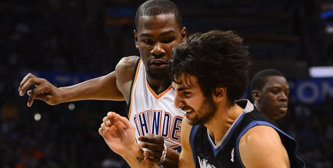Durant defiende a Ricky Rubio