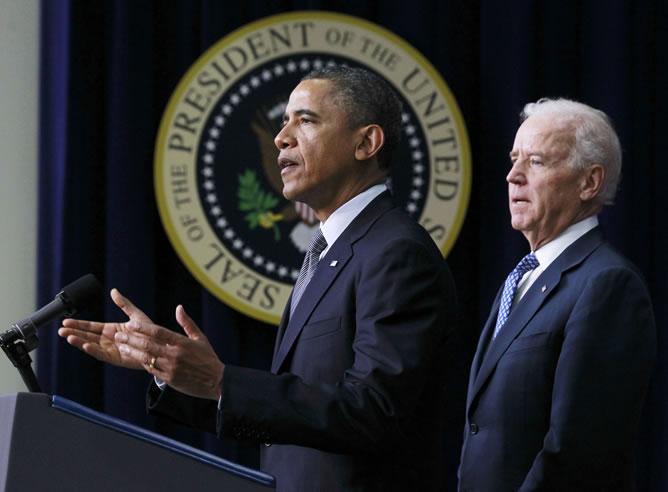 Barack Obama y el vicepresidente Joe Biden, en la rueda de prensa en la que han presentado las medidas para regular el control de armas