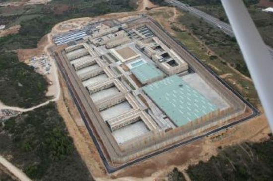 Vista àeria del nou centre penitenciari del Puig de les Basses de Figueres