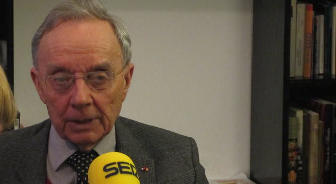 El nieto de Marie Curie critica los recortes en ciencia del gobierno del PP en una entrevista concedida a la Cadena SER