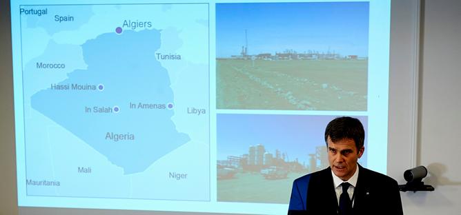 Helge Lund, directivo de la compañía noruega de energía Statoil, responde a preguntas sobre la situación en su planta de gas de In Aminas, Argeria