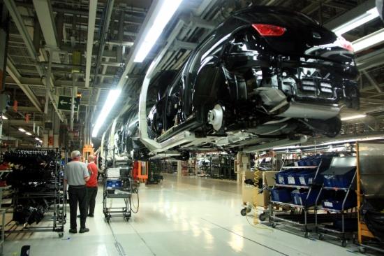Una cadena de muntatge del Seat Ibiza i León al taller 10 de la factoria que la firma té a Martorell
