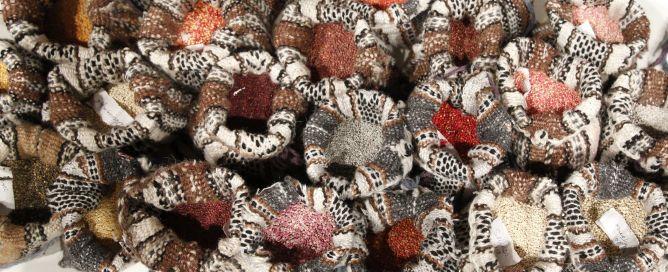 """Distintas variedades de quinua, durante la presentación, realizada este lunes en Madrid Fusión, sobre el Año Internacional de este producto. La quinua, un pseudo-cereal con propiedades nutricionales superiores a las del trigo, el arroz y el maíz, es un """"alimento bandera"""" en los países andinos."""