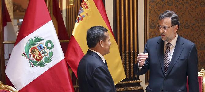 El presidente del Gobierno español, Mariano Rajoy, con el presidente de Perú, Ollanta Humala, durante la entrevista que han mantenido con motivo de la visita oficial que realiza a este país