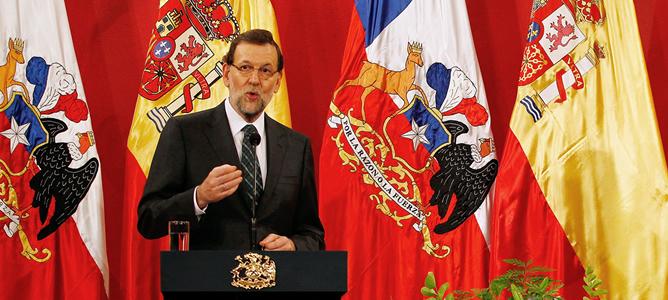 El presidente del Gobierno español, Mariano Rajoy, durante su comparecencia en el Palacio de la Moneda, en Santiago de Chile