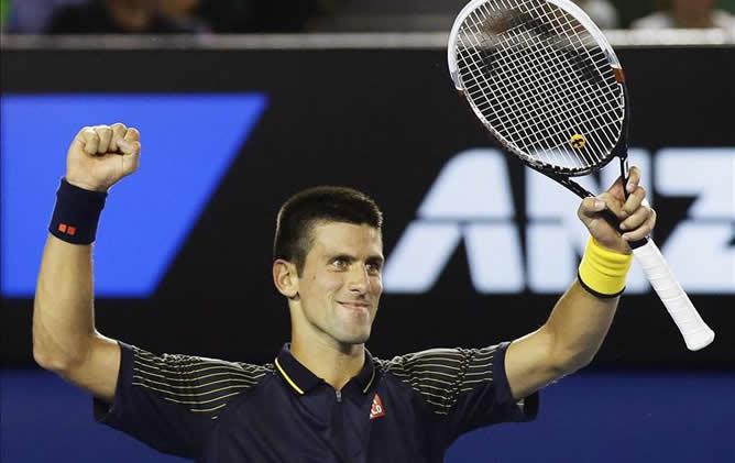 El tenista serbio, número uno de la ATP, se impuso al británico Andy Murray en la final del Grand Slam de Australia