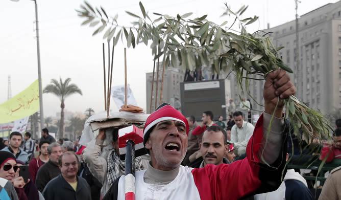 La calma convive con los preparativos para los entierros de los fallecidos por los disturbios en Port Said