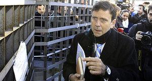 El médico Eufemiano Fuentes a su llegada juzgado