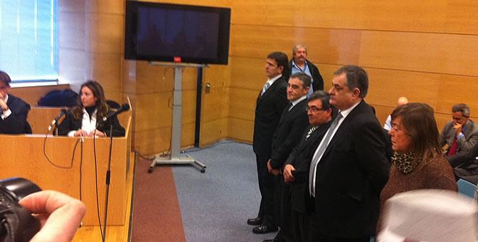 Los acusados Eufemiano Fuentes, Ignacio Labarta, Vicente Belda, Manolo Saiz y Yolanda Fuentes en el primer día del juicio de la 'Operación Puerto'