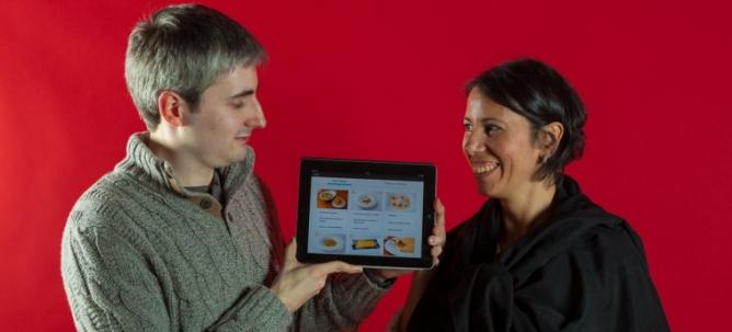 Tomás Antón Escobar y Gabriela Bossio, de la empresa Neo Labels, han presentado la 'app' de Ferran Adrià en el encuentro The App Date.