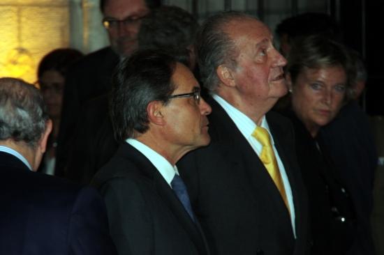 Foto d'arxiu, del setembre de 2012, quan el monarca i Mas van concidir en l'acte d'entrega del IV Premi Internacional Comte de Barcelona