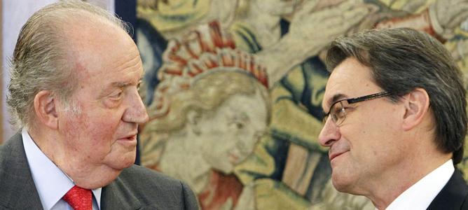 El rey Juan Carlos recibe al presidente de la Generalitat, Artur Mas, en el Palacio de la Zarzuela