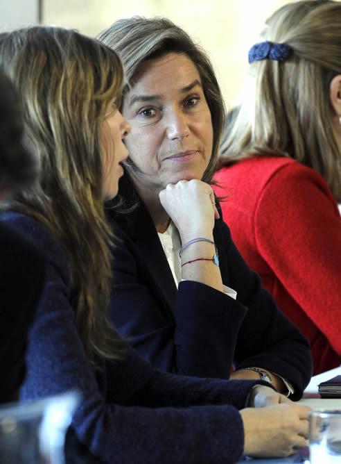 La ministra de Sanidad, Ana Mato, junto a la presidenta del PP de Cataluña, Alicia Sánchez Camacho