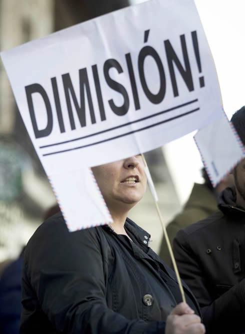FOTOGALERIA: Peticiones de dimisión
