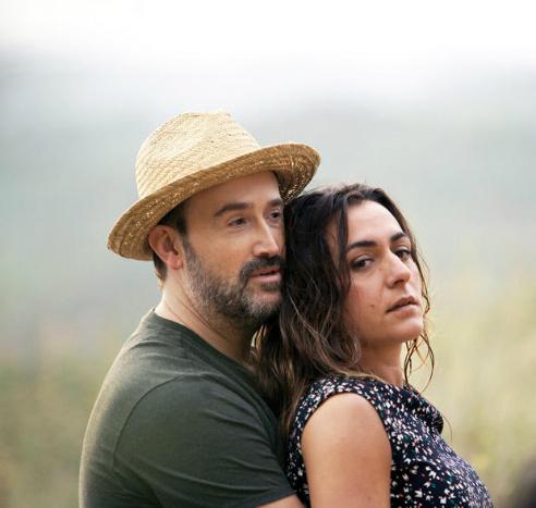 Candela Peña y Javier Cámara en un fotograma de 'Ayer no termina nunca'