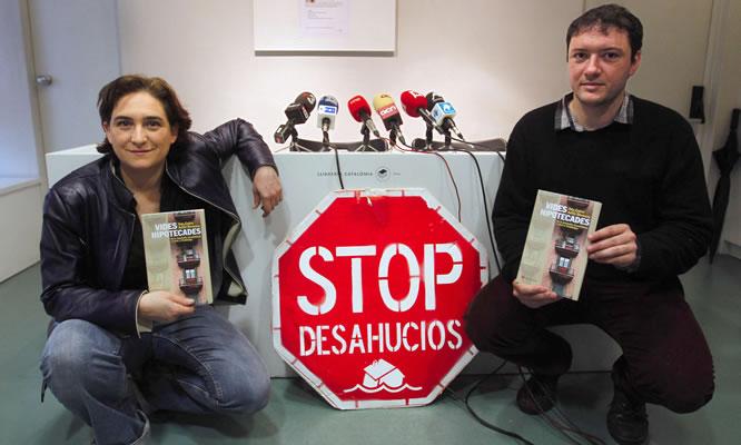 Los fundadores de la Plataforma de Afectados por la Hipoteca (PAH), Ada Colau y Adrià Alemany
