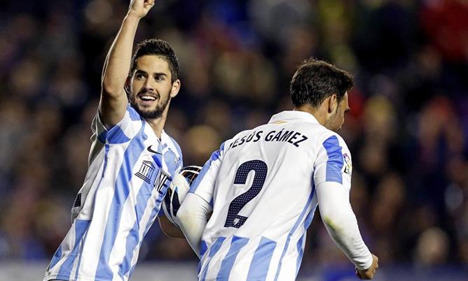 El jugador del Málaga, con sus goles, ha sido uno de los destacados en el partido que ha disputado su equipo en casa del Levante.