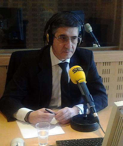 """Patxi López ha asegurado en una entrevista con Pepa Bueno en Hoy por hoy que """"la política está bloqueada y paralizada"""" por los casos de corrupción"""