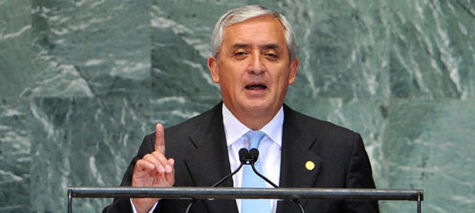 """Pérez Molina : """"El papa me ha dicho que renunciar ha sido una decisión difícil pero necesaria"""""""