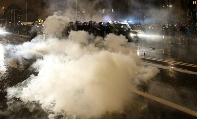 Miles de ciudadanos han protestado en las últimas semanas contra los altos precios de la electricidad en Bulgaria
