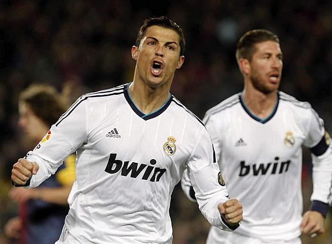 Cristiano celebra su gol de penalti
