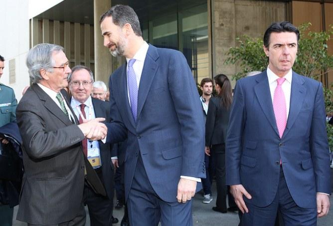 Xavier Trias amb el Príncep Felip i el ministre Soria en la inauguració del Mobile World Congress