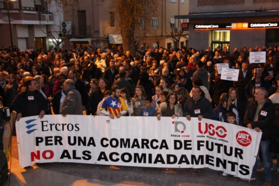 Els veïns de Flix es manifesten contra l'ERO d'ERCROS