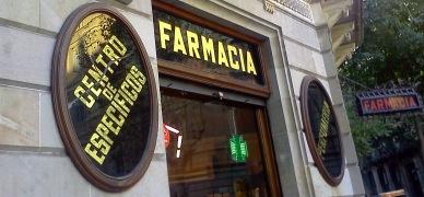Una farmàcia al centre de Barcelona