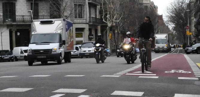 Carril bici a l'Eixample de Barcelona