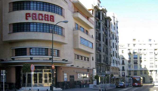 Edificio de la discoteca Pachá en la calle Barceló de Madrid
