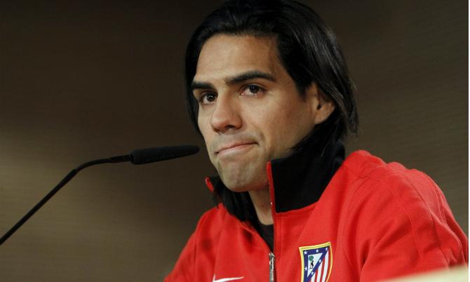 El delantera colombiano del Atlético de Madrid, Radamel Falcao, en rueda de prensa