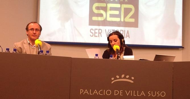El portavoz parlamentario popular, Alfonso Alonso, ha sido entrevistado por Pepa Bueno en un 'Hoy por Hoy' especial desde Vitoria.