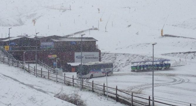Sigue nevando en el pirineo en un mayo que parece febrero for Cuando abren las piscinas en madrid