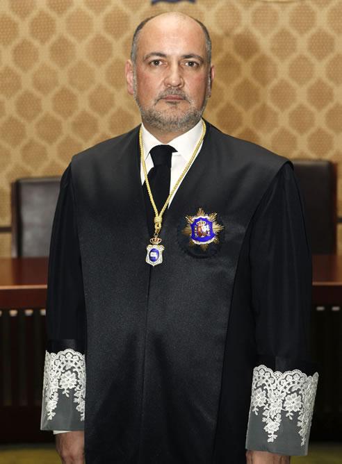 El magistrado conservador Francisco Pérez de los Cobos, elegido por unanimidad nuevo presidente del Tribunal Constitucional.