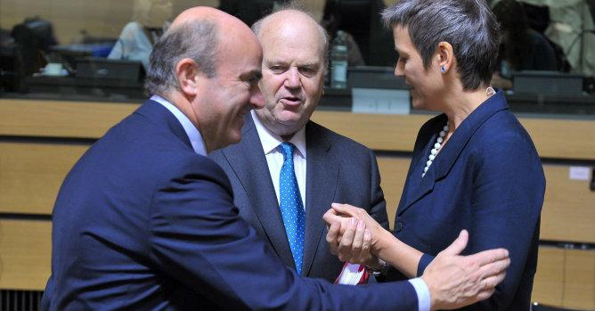 Los Veintisiete respaldan el calendario de Bruselas para el déficit de España
