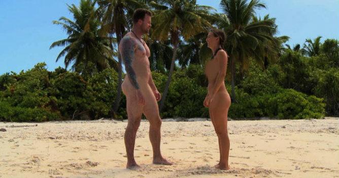 Alison y Jonathan se conocen totalmente desnudos en 'Aventura en pelotas'