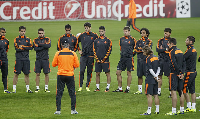 """Ancelotti: """"A todos les gustaría que Xabi Alonso renovase"""""""