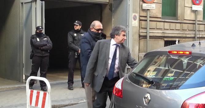 El exguardia civil Jesús Muñecas Aguilar, 'capitán Muñecas', a la salida del juzgado
