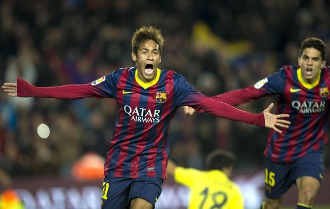 Neymar celebra su segundo tanto al Villarreal