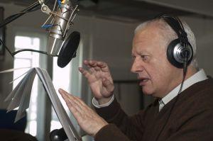 Juan Echanove pone voz al narrador de 'Cuento de Navidad'.