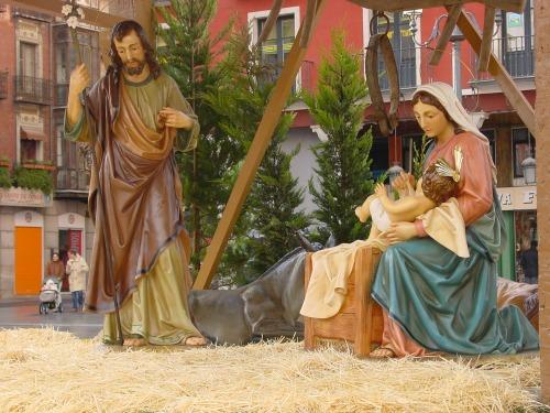 El misterio de la navidad cultura cadena ser - Figuritas para el belen ...
