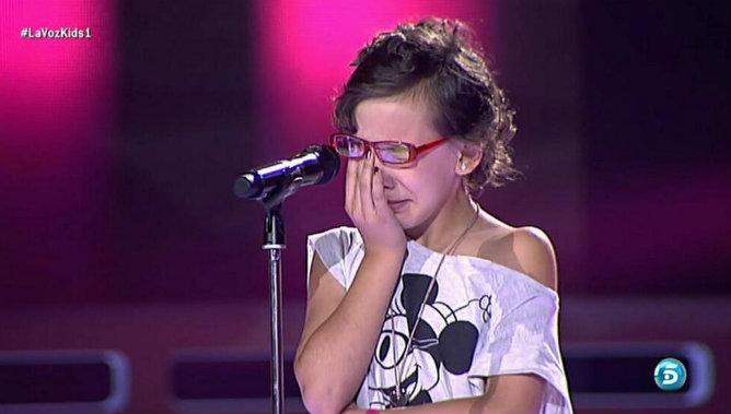 Iraila se queda en blanco y rompe a llorar en 'La voz kids'