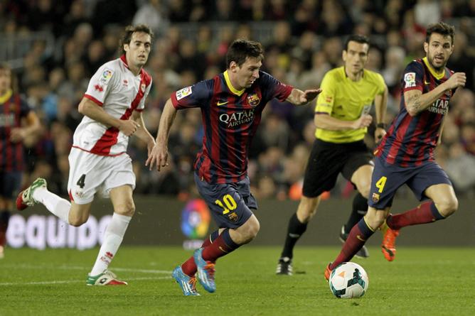 El Barcelona fulmina al Rayo y asusta al Manchester City