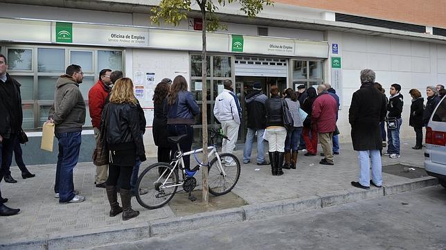 El paro baja en 954 personas en marzo en la provincia for Oficina ryanair madrid