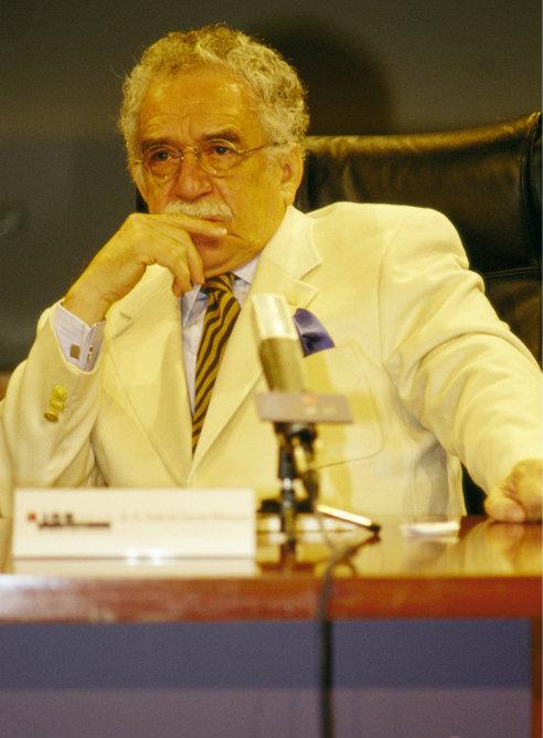 FOTOGALERIA: Gabriel García Márquez atento en un congreso