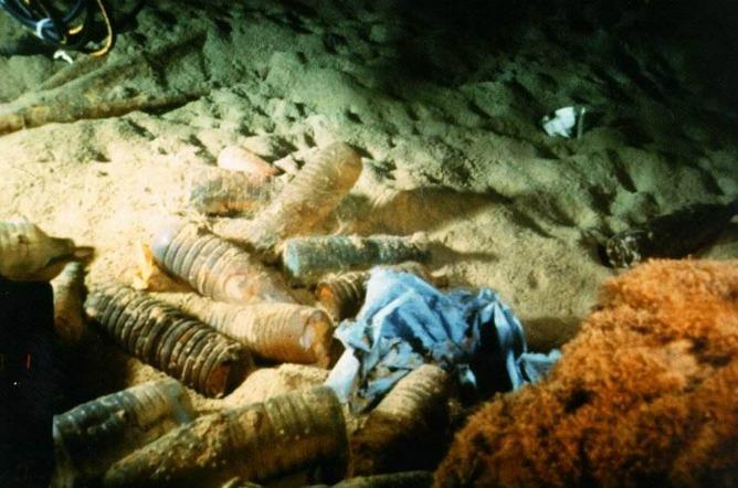 Un estudio internacional con participación del CSIC ha revelado que en zonas profundas del océano se acumula todo tipo de basura de origen humano