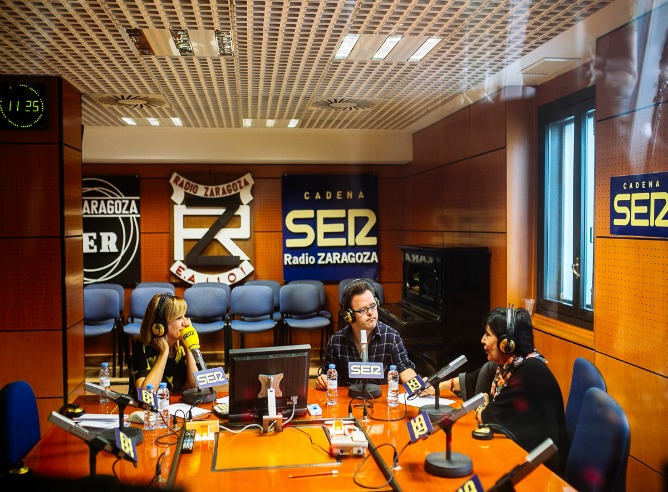 Gemma Nierga, Hugo Aritmendiz y Concha Velasco en Hoy por Hoy desde Zaragoza