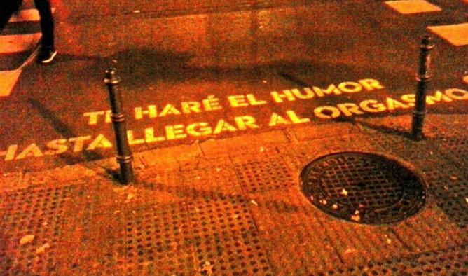 Una frase que hay pintada en en un cruce en la calle Baltasar Gracián esquina con Alberto Aguilera