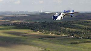 El AeroMovil 3.0 durante su primer vuelo en Eslovaquia