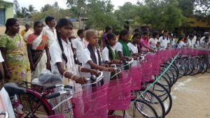 Más de 14.000 kilómetros para defender la educación en La India